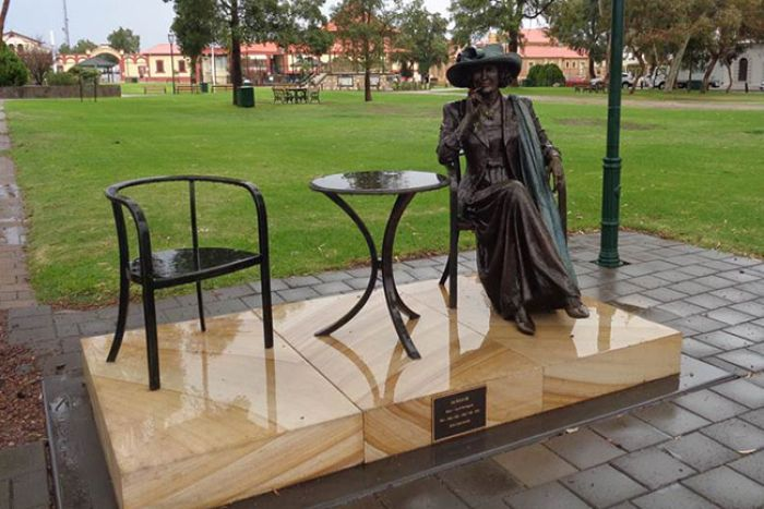 Statue commemorates former Port Augusta mayor Joy Baluch